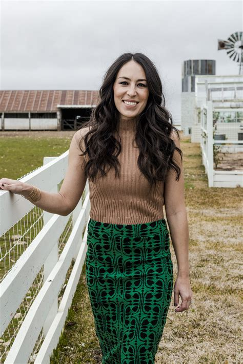 joanna gaines magazine joanna gaines releases paint collection for magnolia homes