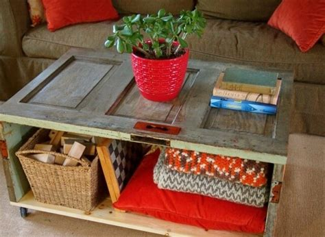 How To Make A Coffee Table Out Of Wooden Crates How To Make A Dining Table Out Of A Door Diy And Crafts