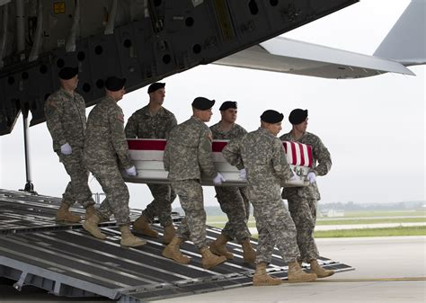 Afghanistan Kia List Us Deaths In Afghanistan At 2 185 Aol News