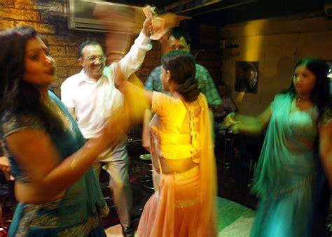 top dance bar in mumbai dance bars a zing in mumbai s night life maharashtra