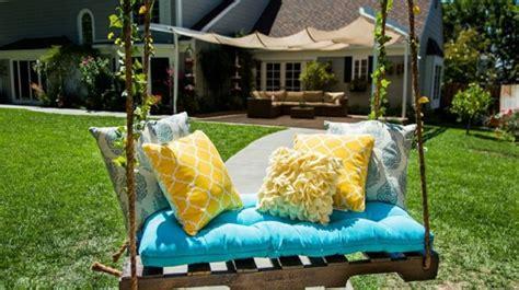altalena da giardino altalena da giardino in pallet e soluzioni originali fai da te
