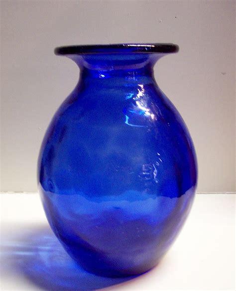 blaue glasvase cobalt blue glass vase 10