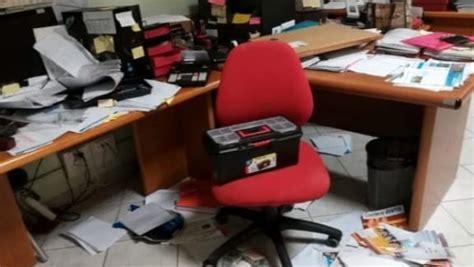 ufficio anagrafe mira malviventi in azione nel comune casertace