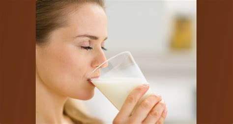 drinking milk before bed can drinking warm milk before bed help you sleep read