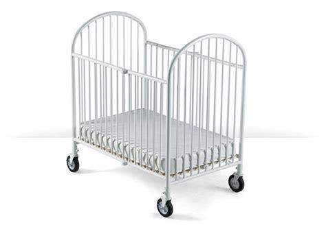 Baby Cribs Vancouver Rent Folding Cribs Toronto Vancouver Weetravel Baby Equipment Rentals
