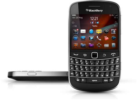 Soft Blackberry Dakota 9900 blackberry os 7 1 0 1098 per 9900 bold