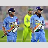 Suresh Raina And Ms Dhoni | 594 x 445 jpeg 50kB