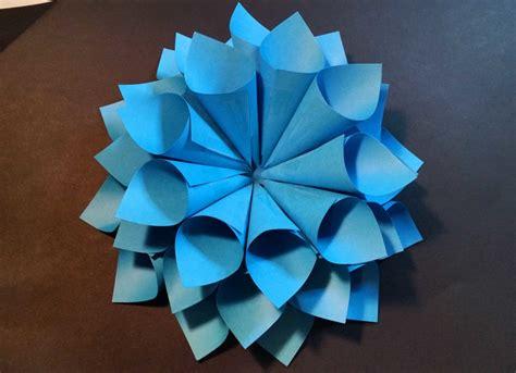 come costruire fiori di carta come creare un fiore di carta fai da te per decorare la casa