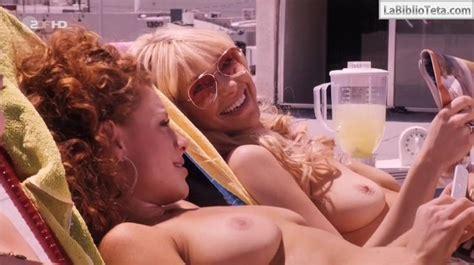 Laura Prepon Y Jo Newman Desnudas Para Lay The Favourite