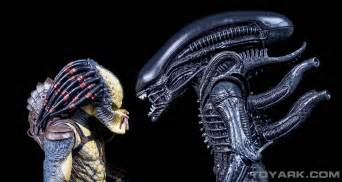 alien predator mini comic recreated photos neca toyark
