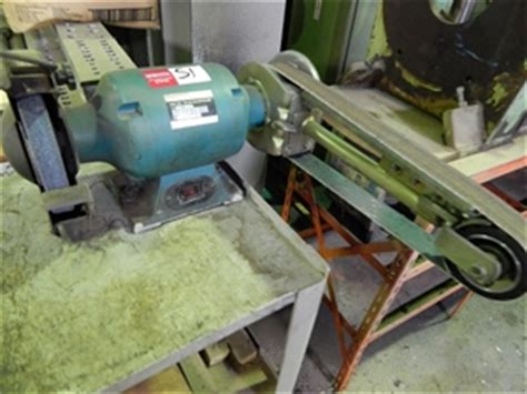 makita bench grinder gb800 bench grinder linisher makita gb800 double ended linishing belt grindi auction