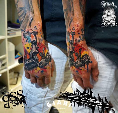 hand tattoo job interview unloaded tattoo machine tattoo by george drone best