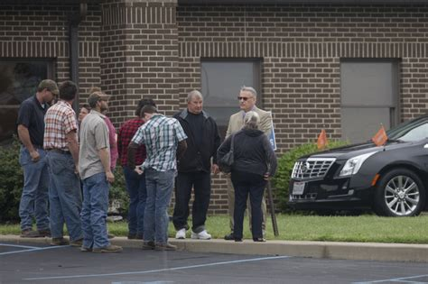 sanner funeral home funeral for 6 slain family members held in southern ohio