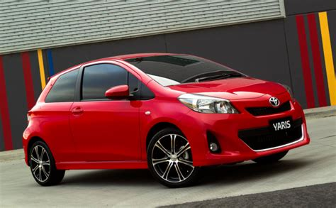 Lu Yaris toyota announces yaris pricing three and five door
