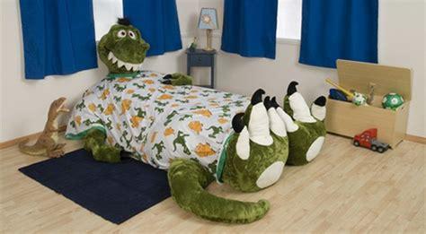 dinosaurier bett kinderbett design pluschtiere bringen die kleinen zum