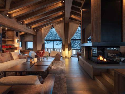 foyer de montagne foyer fenestration structure de bois plafond