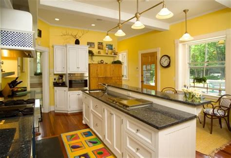 yellow kitchen white cabinets 10 beautiful kitchens with yellow walls