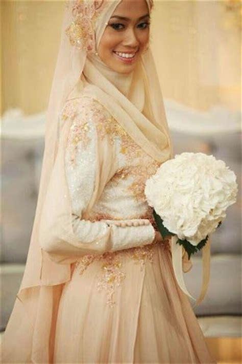 Kebaya Duyung Pengantin Wanita 25 ide terbaik tentang gaun pengantin 2015 di
