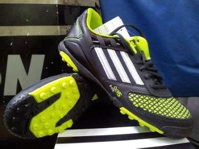 Sepatu Anak Adidas 2 3 4 Tahun Putih Hitam Premium Bagu Murah sepatu futsal terbaru dan harganya