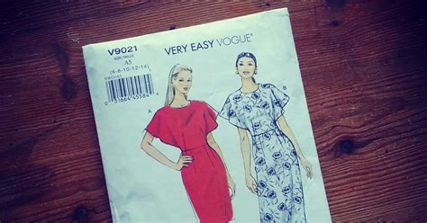 pattern review weekend 2015 fashion to diy for pattern review vogue pattern v9021