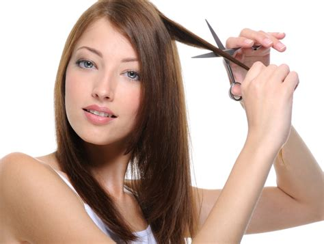 how to cut and stle your hair like lisa rinna true or false myths about your hair youne