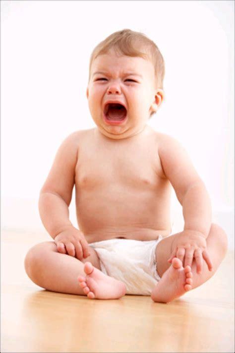 imagenes de bebes llorando pidiendo perdon im 225 genes de beb 233 s llorando imagui