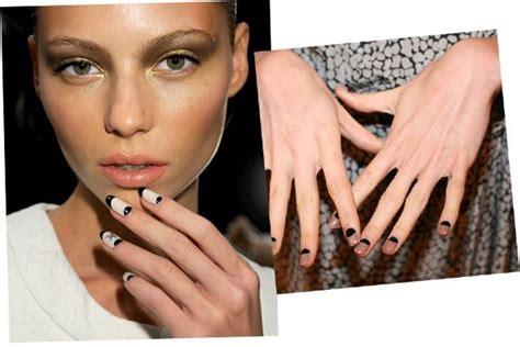 trendwände nailheartink summer autumn trend mannequin nails