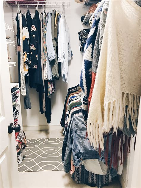 how to purge your closet some great tips on how to purge your closet