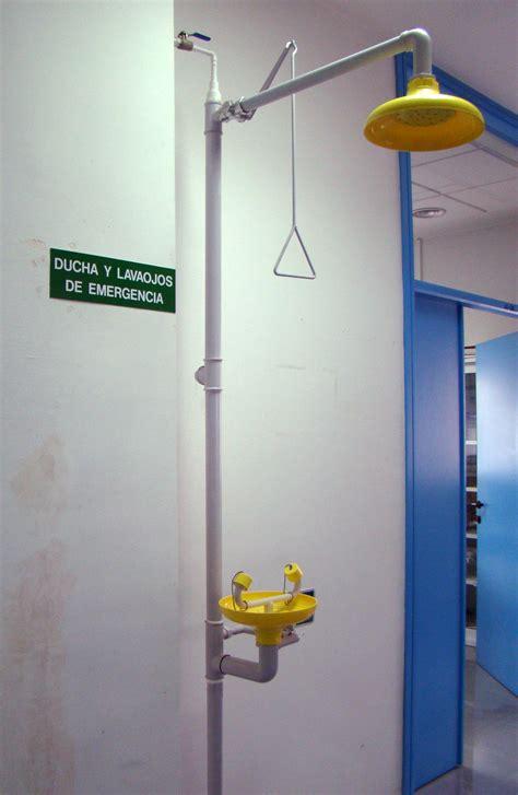 ducha y lavaojos ducha y lavaojos de emergencia