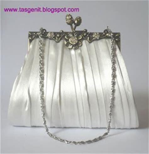 Tas Behel Handmade tas pesta behel satin warna putih terjual kode tas 182
