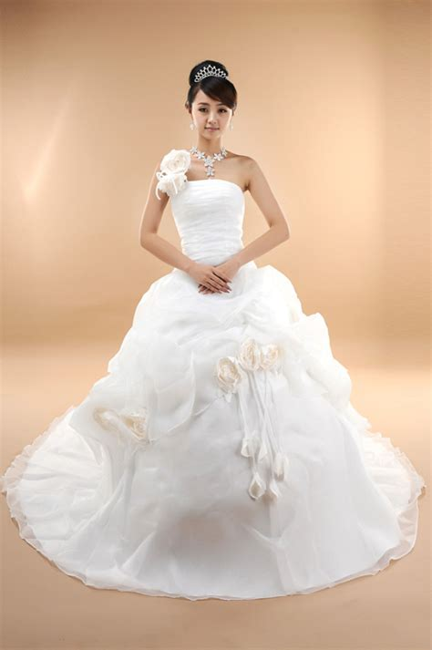 Korean Wedding Dresses 2017 Modern Style Pictures For Brides