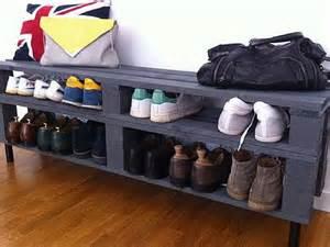 Exceptionnel Meubles Fait Avec Des Palettes #3: banc-qui-fait-meuble-chaussures-en-palettes.jpg