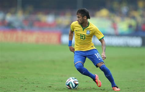pictures of neymar 2015 roberto carlos quot neymar is better than messi and ronaldo quot