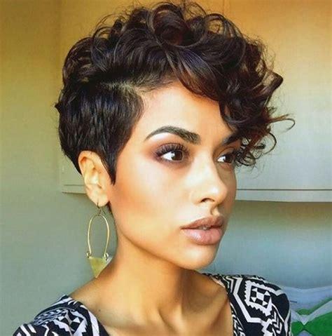 pelo corto y rizado las 25 mejores ideas sobre pelo corto y rizado en