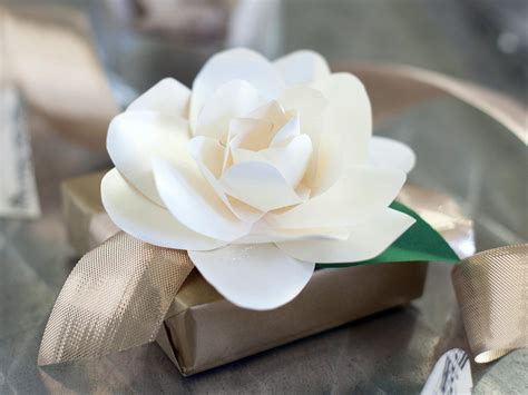 gardenia paper flower tutorial how to make paper gardenias how tos diy
