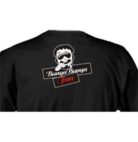 Clut Sulam Buga 1 t shirt nera bunga bunga fan modello seno bianco per soli 14 90 su merchandisingplaza italia