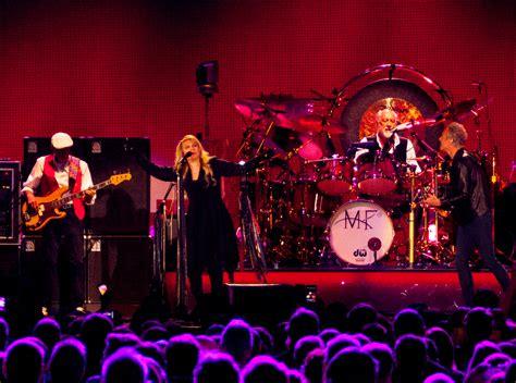 band mac fleetwood mac reunites the band after 16 years
