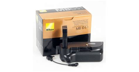 Battery Grip Mb D51 For Nikon 5100 nikon battery grip mb d51 for d5100