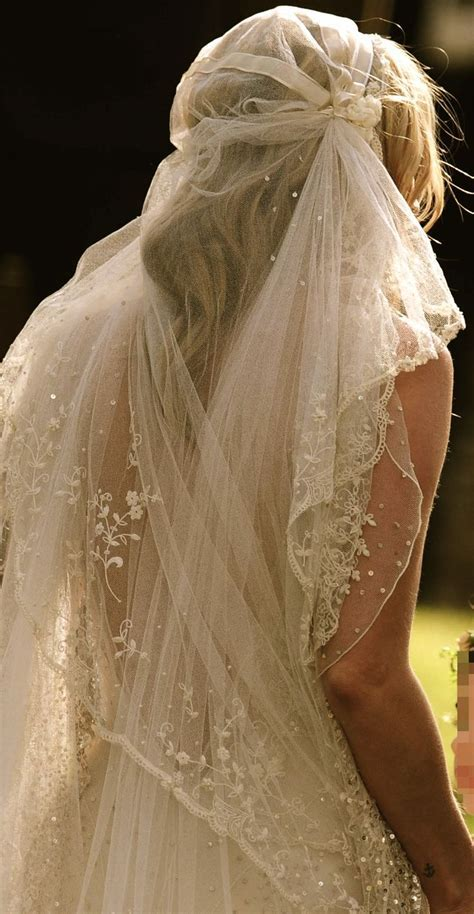 Best 20  Vintage Wedding Veils ideas on Pinterest   Lace
