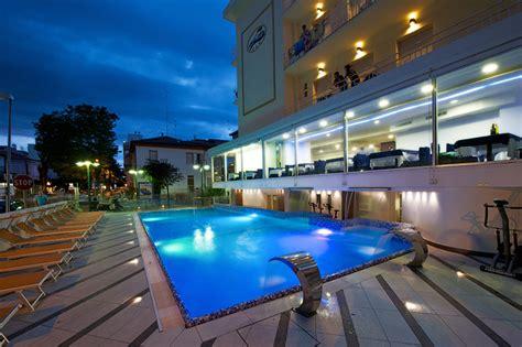 hotel cattolica con piscina interna hotel 3 stelle cattolica albergo sul mare con piscina