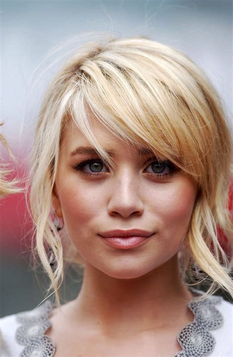 Blonde Hairstyles Side Fringe | ashley olsen s blonde side swept fringe hair beauty