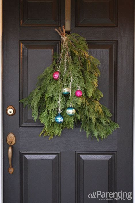 picture of christmas door swag