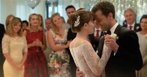 hochzeitskleid fifty shades of grey fifty shades christian and anastasia share first dance in