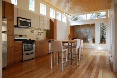 lambris plafond cuisine d 233 coration cuisine lambris