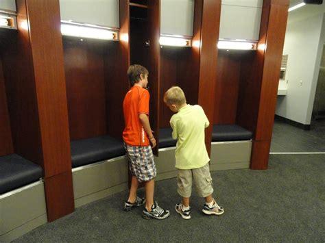 boy locker room locker wallpaper for boys wallpapersafari