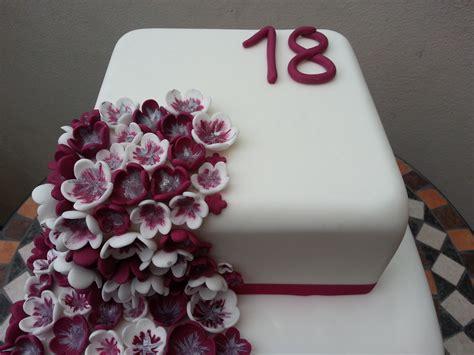 come si fanno i fiori di zucchero torta cascata di fiori cuginette sul g 226 teau