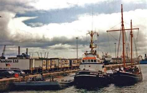 sleepboot antonie junior tugs and lightships