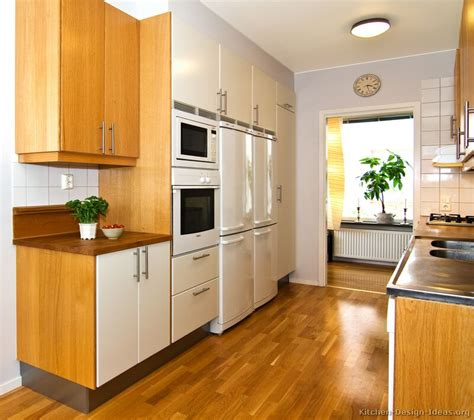 Wood Backsplash Ideas by Pictures Of Kitchens Modern Two Tone Kitchen Cabinets