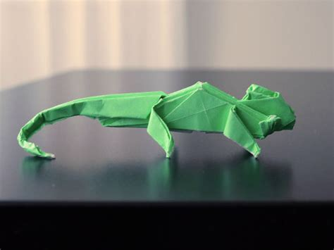 Origami Chameleon - planetjune by june gilbank 187 paper crafts