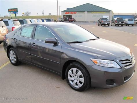 Grey Toyota Camry 2010 Magnetic Gray Metallic Toyota Camry Le 27169187